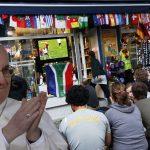 Papa Francisco autoriza faltar a misa por ver partidos del Mundial