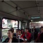 Hombre contrae hemorroides por sentarse en silla tibia en bus de Bogotá