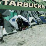 Hasta 500.000 piden por puesto en fila de Starbucks
