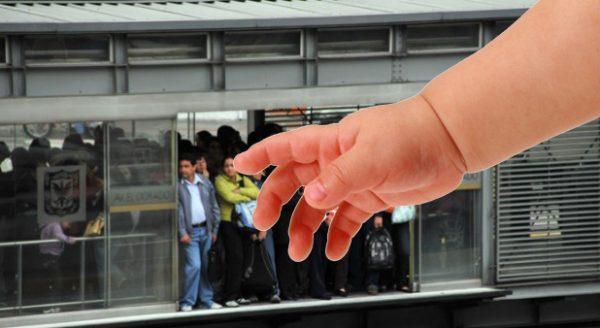 Tras el machucón del menor, el sistema se comprometió a poner cadenas y deshabilitar todas las puertas automáticas para que nadie se machuque nunca más.