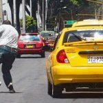 Taxistas ahora ofrecerán servicio de cobranzas