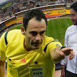 Polémica por monumento de Iván Cepeda y Ángela Robledo  a juez que anuló gol de Yepes