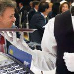 Le rechazan pago con tarjeta de crédito a Santos: no le creyeron el plazo