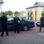 ONG noruega enseñará a políticos y poderosos a cerrar ellos mismos las puertas de sus carros
