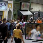 Ópticas hacen su agosto por transmisión de Copa América en baja definición
