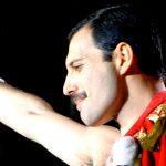 Científicos reviven a Freddy Mercury para cover de Maluma