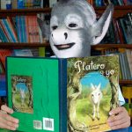 Niño se convierte en burro tras leer Platero y yo